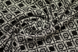 Tissu Jacquard Losange Noir/Ecru -Coupon de 3 mètres