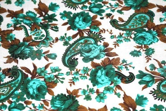 Tissu Viscose Imprimée Cachemire Vert -Au Mètre