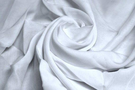 Tissu Voile Uni 100% Viscose Blanc -Au Mètre