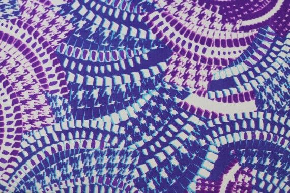 Tissu Crêpe Polyester    Serpent  Violet   -Au Mètre