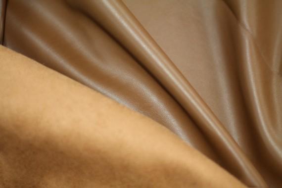 Tissu Simili Cuir envers Suédine Camel -Coupon de 3 mètres